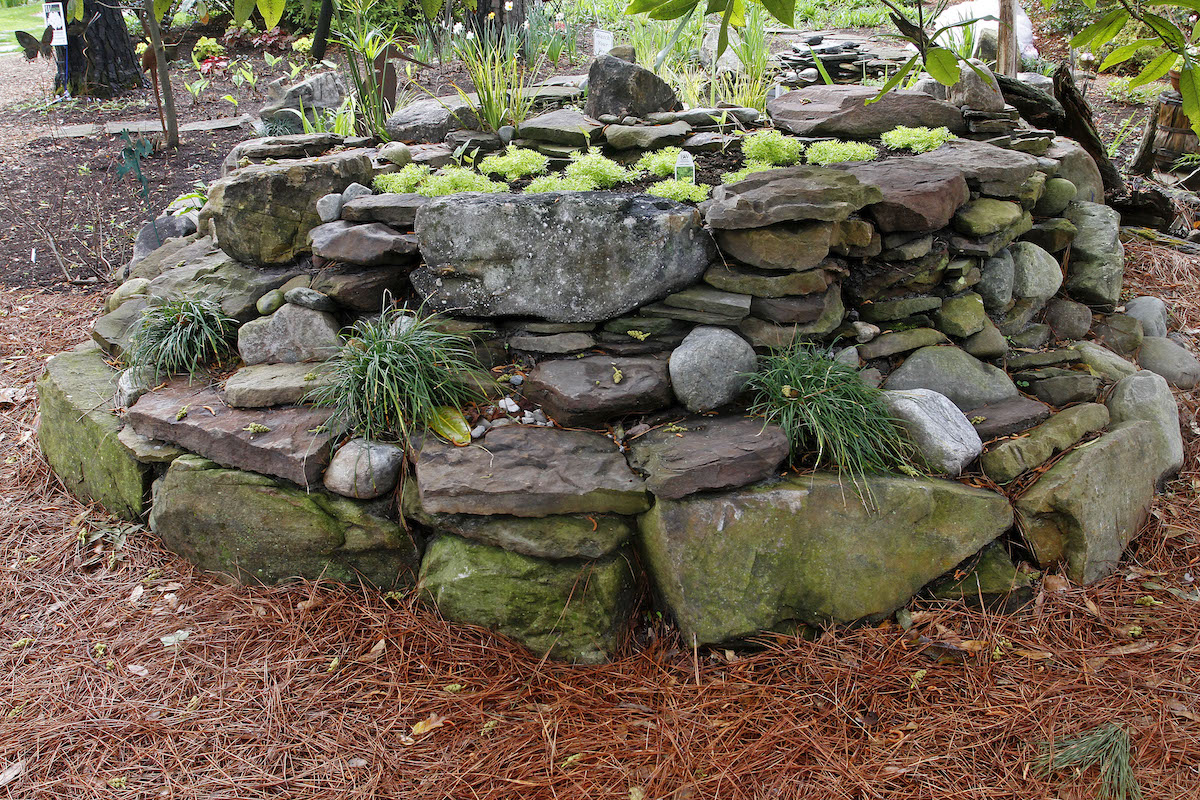 stone garden fountains pavers pathways rock gravel outdoor living fire pit grill tops hearth patio mulch pinestraw fireplace natural pond
